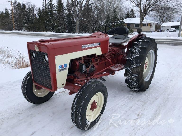 International 434 Tractor